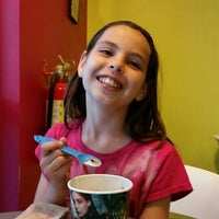 Photo taken at Menchie's Frozen Yogurt by Meredith G. on 9/26/2015