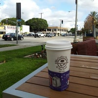 Photo taken at The Coffee Bean & Tea Leaf by Fabian L. on 12/17/2012
