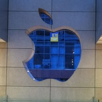 Das Foto wurde bei Apple Oxmoor von Dan S. am 11/12/2012 aufgenommen