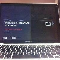 Foto tomada en Escuela Universitaria de Estudios Empresariales (UCM) por Enrique B. el 11/8/2012