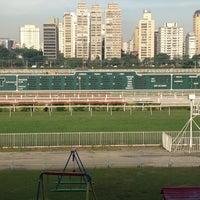 Foto tirada no(a) Jockey Club de São Paulo por Fausto T. em 11/28/2012
