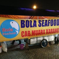 Photo taken at Bola Seafood by David C. on 3/22/2013