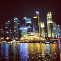 Photo prise au Marina Bay Downtown Area (MBDA) par Soti R. le5/25/2013