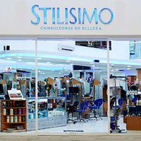 Photo taken at Stilisimo by Corporativo S. on 1/5/2015