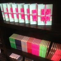 Foto tomada en Centro de Kabbalah, Librería Polanco por Paty G. el 7/21/2013