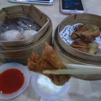 Photo taken at HK Dim Sum by Sri Intan N. on 10/5/2013