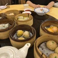 Photo taken at Swatow Seafood Restaurant 汕头海鲜 by jaysonkay on 2/25/2017
