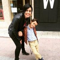 Foto diambil di Mis en Plas oleh Alberto S. pada 6/7/2015