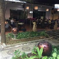 Photo taken at Restaurant Kuta Central Park Hotel by 5 B. on 9/19/2017