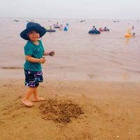 Photo taken at Bãi Biển Đồ Sơn by 5 B. on 6/22/2014