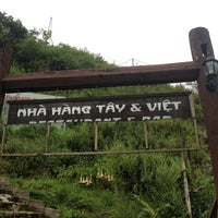 Photo taken at Lầu Vọng Cảnh Cát Cát (Coffee View Bar) by 5 B. on 9/18/2014