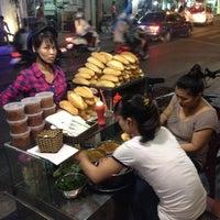 Photo taken at bánh mì pate lãn ông by 5 B. on 8/25/2014