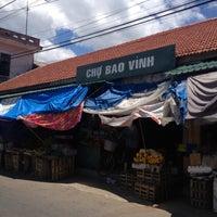 Photo taken at Chợ Bao Vinh (Bao Vinh Market) by 5 B. on 8/19/2013