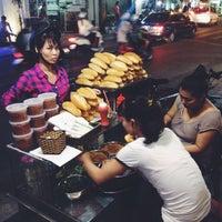 Photo taken at bánh mì pate lãn ông by 5 B. on 8/26/2014