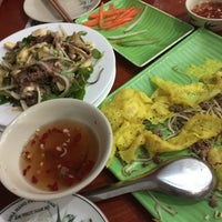 Photo taken at Phương Nam Restaurant by 5 B. on 5/22/2015