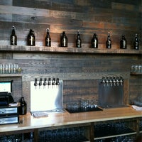 Das Foto wurde bei Cellarmaker Brewing Company von Keane L. am 10/10/2013 aufgenommen
