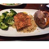 Photo taken at LongHorn Steakhouse by Iam M. on 8/24/2015