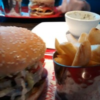 Photo taken at Red Robin Gourmet Burgers by Lindsay B. on 1/24/2015
