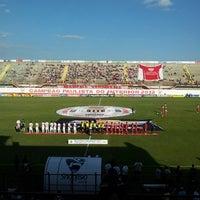 Foto tirada no(a) Estádio Romildo Vitor Gomes Ferreira por Jerusa A. em 4/21/2013