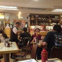 Das Foto wurde bei Bar Nacional 2 von Francisca D. am 4/13/2013 aufgenommen