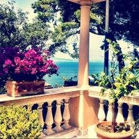 Foto scattata a Hotel Residence Miramare Sorrento da GLR E. il 7/7/2014