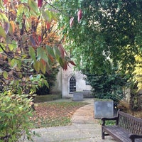 Photo prise au St Dunstan in the East Garden par Nemanja B. le11/11/2012