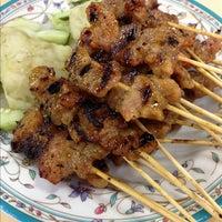 Photo taken at Lorong 29 Sing Lian Eating House by Rita G. on 11/23/2012