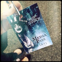 Photo taken at Queen Mary's Dark Harbor by Katelyn H. on 10/4/2013