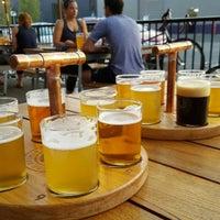 Foto tomada en Breakside Brewery Slabtown por Carl G. el 8/3/2017