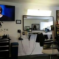 Foto scattata a Svelte Men Barbershop da Mike C. il 10/6/2015