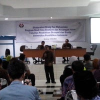 Photo taken at Fakultas Pendidikan Ekonomi dan Bisnis (FPEB) by Rida R. on 5/14/2014