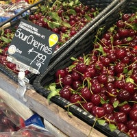 Foto scattata a Whole Foods Market da Thaphat ผ. il 8/2/2015
