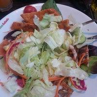 Photo taken at Green Salads by Kolombiyali G. on 7/25/2013