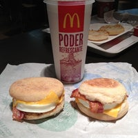 Photo taken at McDonald's by Yeyo De Bote on 10/22/2012