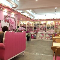 Photo taken at Hello Kitty Cafe by Annie P. on 4/6/2015