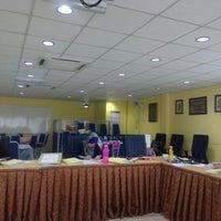 Photo taken at Bilik Sekretariat, UiTM Johor by Husnizam H. on 10/9/2015