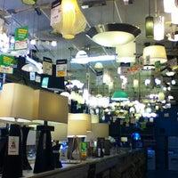 Foto scattata a The Home Depot da Aszel Q. il 9/13/2013