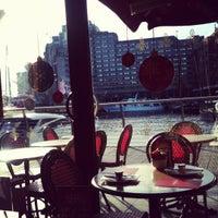 Photo prise au Café Rouge par Joanna R. le12/9/2012