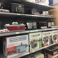 Photo taken at Walmart Supercenter by Yxes  💋☕️ on 3/8/2017