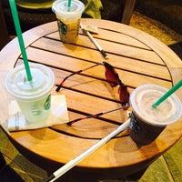 Foto tomada en Starbucks por かいたに el 3/26/2017