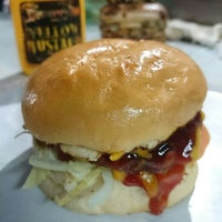 Photo taken at Downtown Underground Enterprise(downtown kebab,burger n oblong) by Alan D. on 8/7/2014