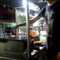 Photo taken at Downtown Underground Enterprise(downtown kebab,burger n oblong) by Alan D. on 3/2/2016