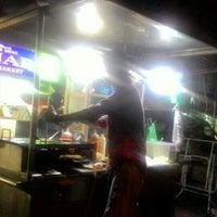 Photo taken at Downtown Underground Enterprise(downtown kebab,burger n oblong) by Alan D. on 2/26/2016