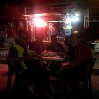 Photo taken at Downtown Underground Enterprise(downtown kebab,burger n oblong) by Alan D. on 9/2/2014