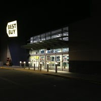 Photo taken at Best Buy by José Augusto D. on 12/28/2012