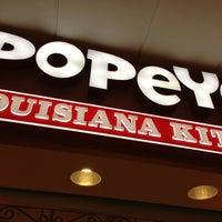 Photo taken at Popeyes Louisiana Kitchen by Edward H. on 2/22/2013