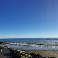 Photo taken at 1000 Steps Beach by JP M. on 10/26/2015