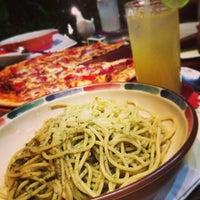 Photo prise au Signora Pasta par Annisa L. le1/1/2013