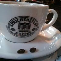 Das Foto wurde bei Kaffeerösterei Speicherstadt von boris b. am 8/8/2013 aufgenommen
