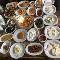 12/3/2017 tarihinde Durmuş K.ziyaretçi tarafından Saray Kapı Kahvaltı & Cafe'de çekilen fotoğraf